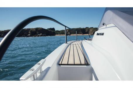 2021 Beneteau boat for sale, model of the boat is Flyer 8 SUNdeck & Image # 4 of 6