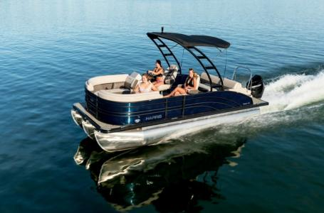 2021 Harris boat for sale, model of the boat is Sunliner 230 & Image # 8 of 13