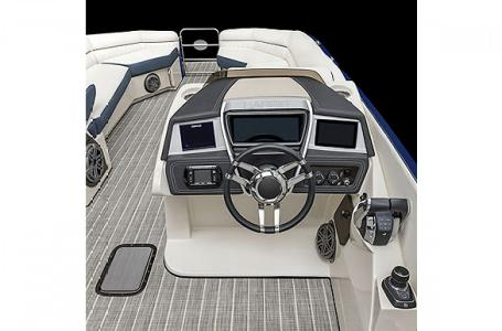 2021 Harris boat for sale, model of the boat is Harris Crowne SL 250 & Image # 12 of 15