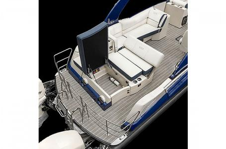 2021 Harris boat for sale, model of the boat is Harris Crowne SL 250 & Image # 10 of 15