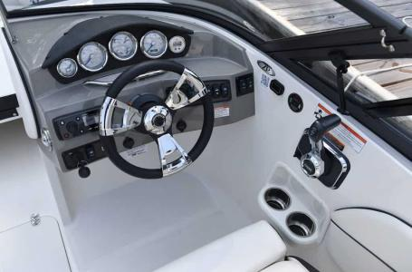 2021 Stingray Boats boat for sale, model of the boat is 208LR & Image # 8 of 11
