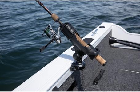 2021 Crestliner boat for sale, model of the boat is 1650 Fish Hawk Walk-through & Image # 15 of 20