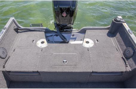 2021 Crestliner boat for sale, model of the boat is 1650 Fish Hawk Walk-through & Image # 12 of 20