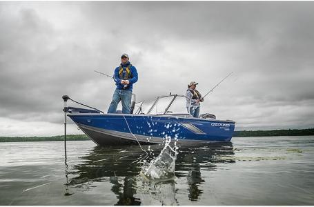 2021 Crestliner boat for sale, model of the boat is 1650 Fish Hawk SE Walk-through & Image # 3 of 11