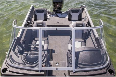 2021 Crestliner boat for sale, model of the boat is 1650 Fish Hawk Walk-through & Image # 11 of 20