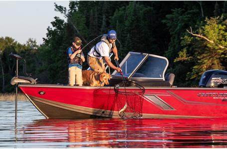 2021 Crestliner boat for sale, model of the boat is 1650 Fish Hawk Walk-through & Image # 10 of 20