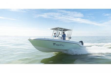 2021 Bayliner boat for sale, model of the boat is Trophy 22CC & Image # 1 of 5