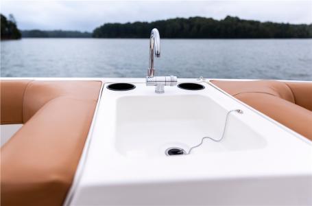 2021 Bayliner boat for sale, model of the boat is DX2000 & Image # 2 of 4