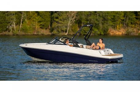2021 Bayliner boat for sale, model of the boat is VR4 Bowrider & Image # 3 of 4