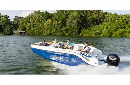 2021 Bayliner boat for sale, model of the boat is DX2200 & Image # 4 of 5