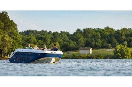 2021 Bayliner boat for sale, model of the boat is DX2200 & Image # 5 of 5