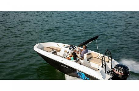 2021 Bayliner boat for sale, model of the boat is Element E18 & Image # 1 of 3