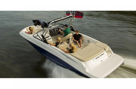 2021 Bayliner boat for sale, model of the boat is VR6 Bowrider & Image # 9 of 10