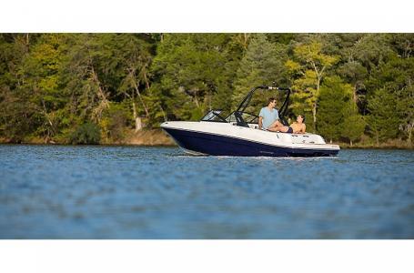 2021 Bayliner boat for sale, model of the boat is VR4 Bowrider & Image # 4 of 4