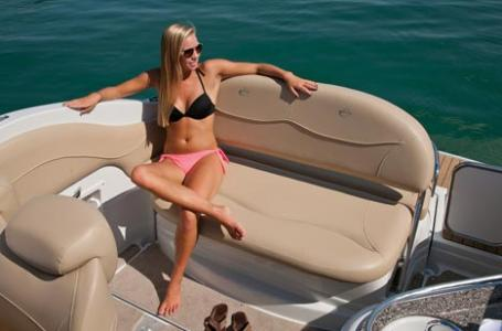 2021 Crownline boat for sale, model of the boat is 264 CR & Image # 5 of 6