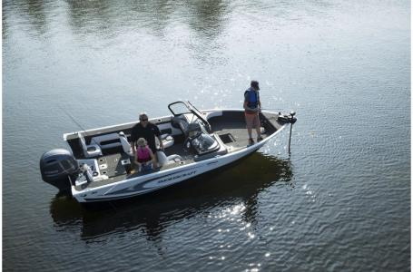 2021 Smoker Craft boat for sale, model of the boat is Legacy Ultima 182 & Image # 13 of 17