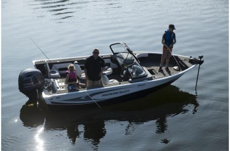 2021 Smoker Craft boat for sale, model of the boat is Legacy Ultima 182 & Image # 11 of 17
