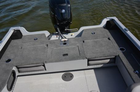 2021 Smoker Craft boat for sale, model of the boat is Adventurer 178 DC & Image # 2 of 11