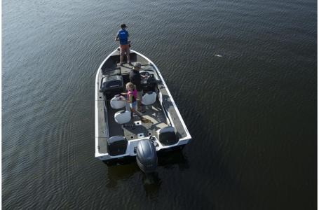 2021 Smoker Craft boat for sale, model of the boat is Legacy Ultima 182 & Image # 12 of 17