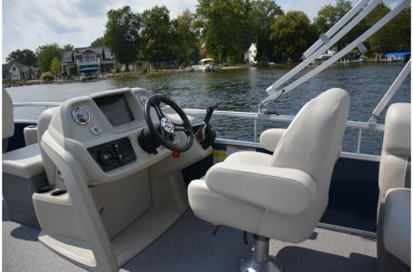 2021 SunChaser boat for sale, model of the boat is Vista 18 Fish & Image # 3 of 12