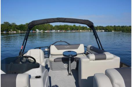 2021 SunChaser boat for sale, model of the boat is Geneva Cruise 22 SB & Image # 7 of 14