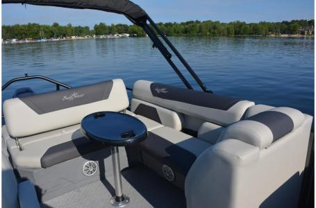 2021 SunChaser boat for sale, model of the boat is Geneva Cruise 22 SB & Image # 8 of 14