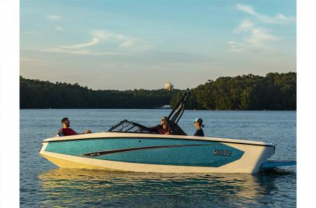 2021 Heyday boat for sale, model of the boat is WT-2DC & Image # 2 of 4