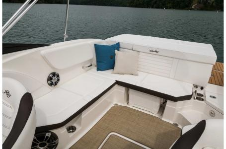 2022 Sea Ray boat for sale, model of the boat is SPX 230 & Image # 4 of 7