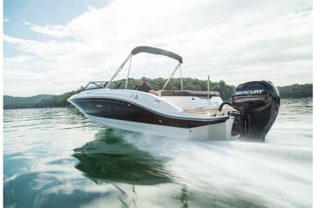 2022 Sea Ray boat for sale, model of the boat is SPX 210 Outboard & Image # 1 of 7