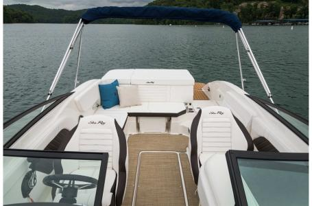 2022 Sea Ray boat for sale, model of the boat is SPX 230 & Image # 3 of 7