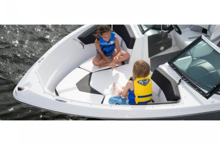 2014 Four Winns boat for sale, model of the boat is H200 & Image # 8 of 8