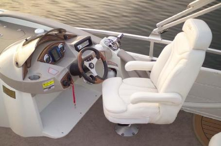 2007 Harris boat for sale, model of the boat is Crowne 250 & Image # 20 of 21