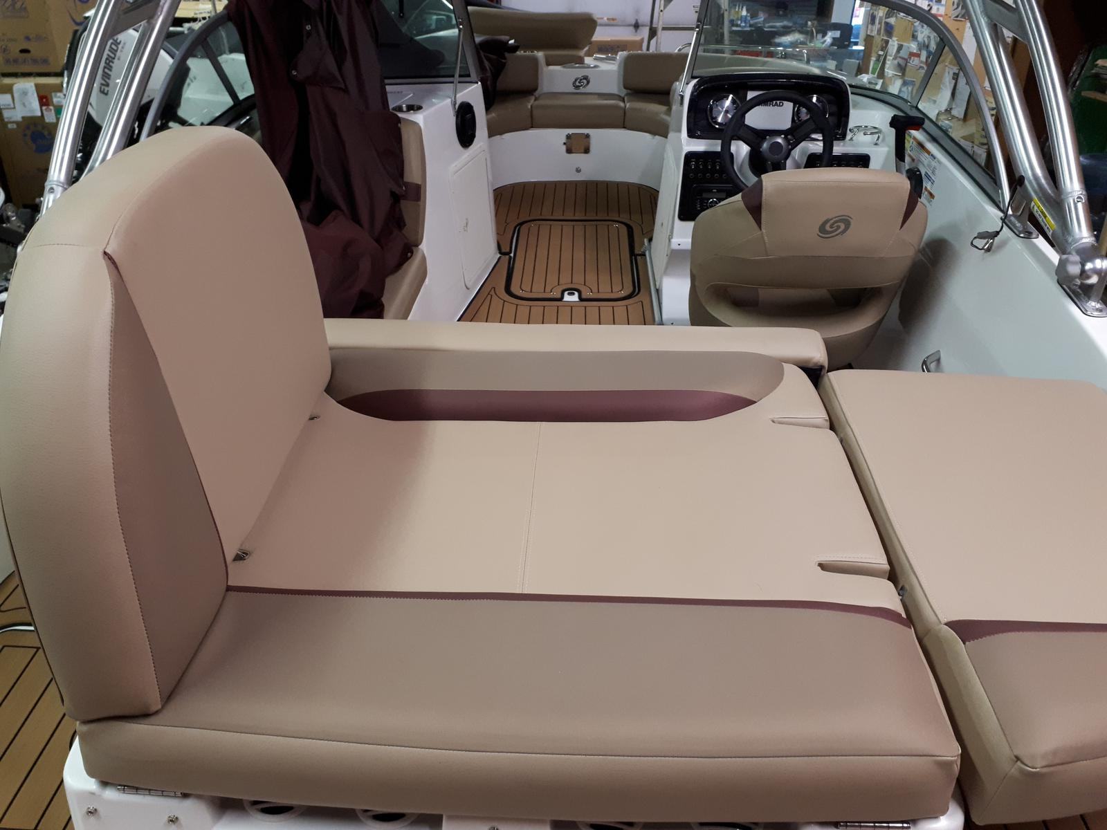 2019 Hurricane boat for sale, model of the boat is SUN DECK 187I BR TOWER & Image # 2 of 3