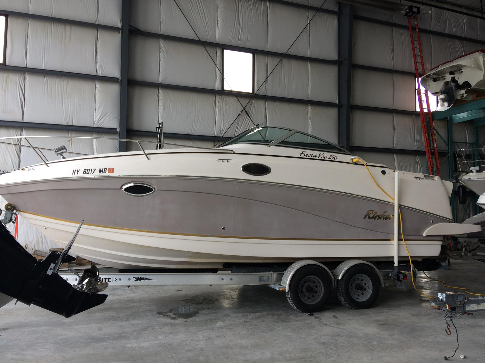 For Sale: 2004 Rinker Viesta Vee 250 27ft<br/>Hutchinson's Boat Works