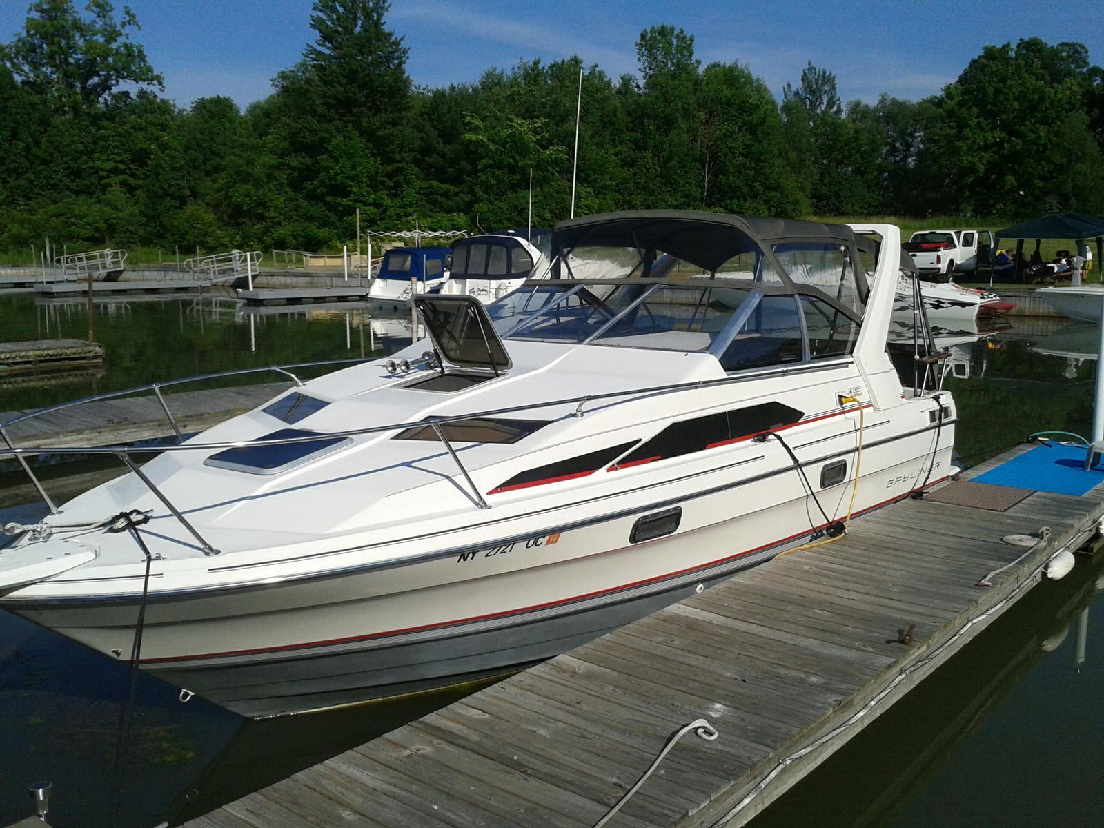 For Sale: 1990 Bayliner 2655 Ciera Sunbridge 31ft<br/>Hutchinson's Boat Works