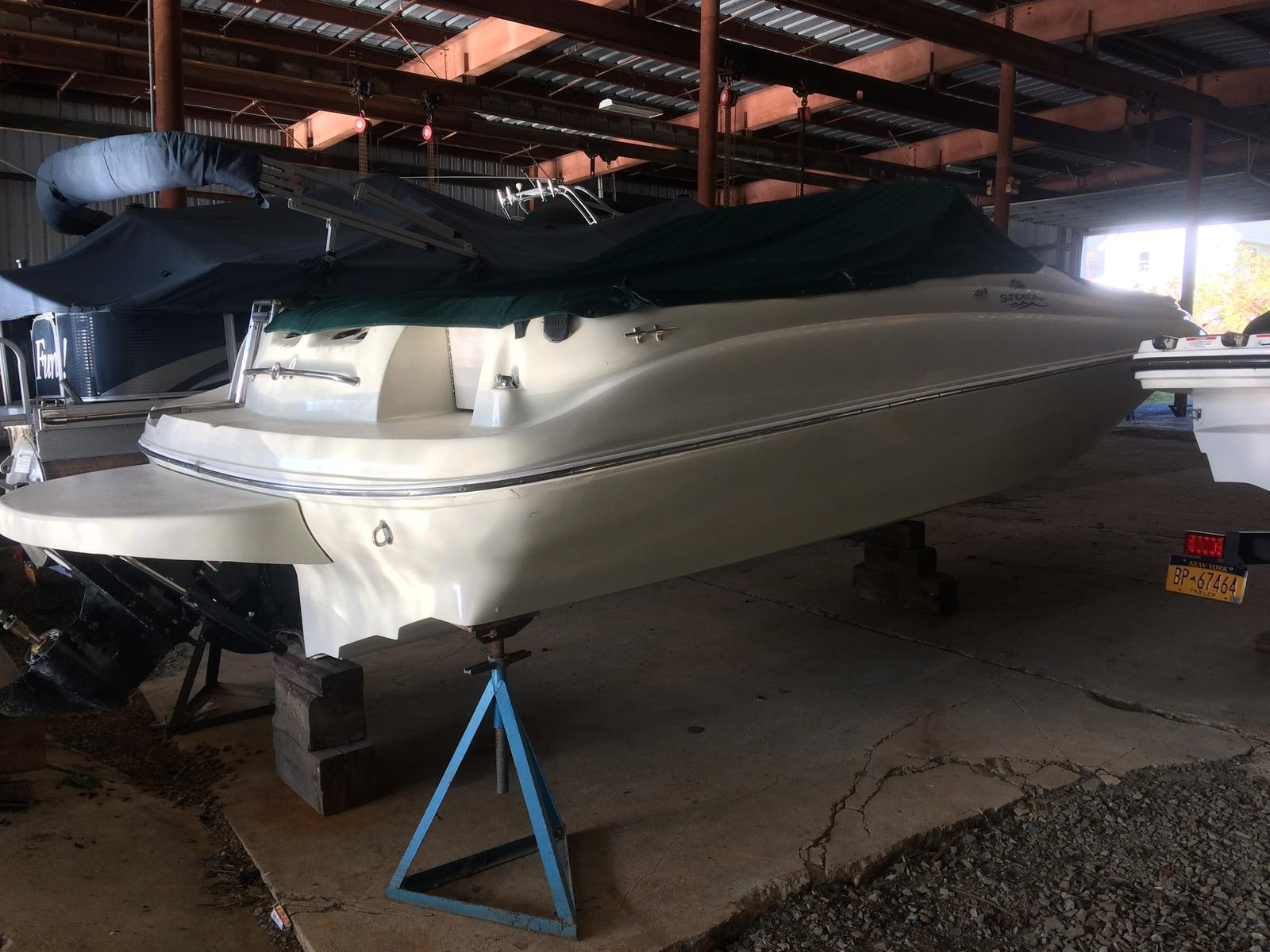 For Sale: 2000 Sea Ray 210 Sundeck 21ft<br/>Hutchinson's Boat Works