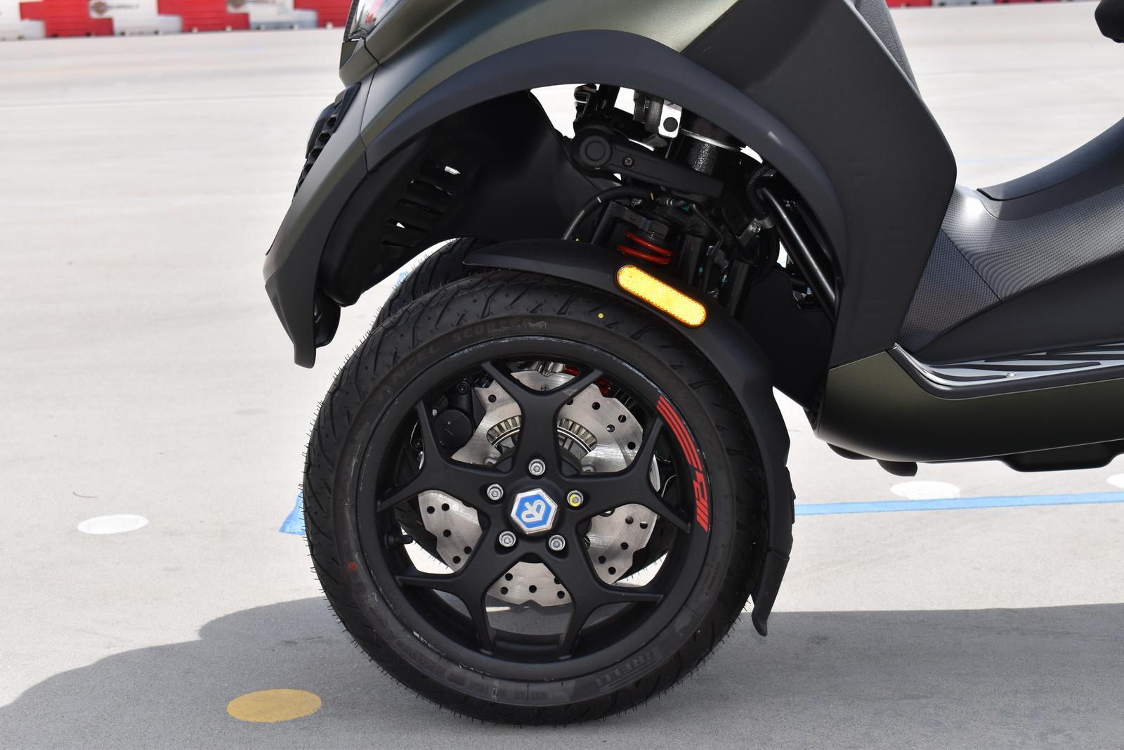 400 500 ASR Sport RS1//Argent Poign/ées de guidon Piaggi-o MP3 300 Business