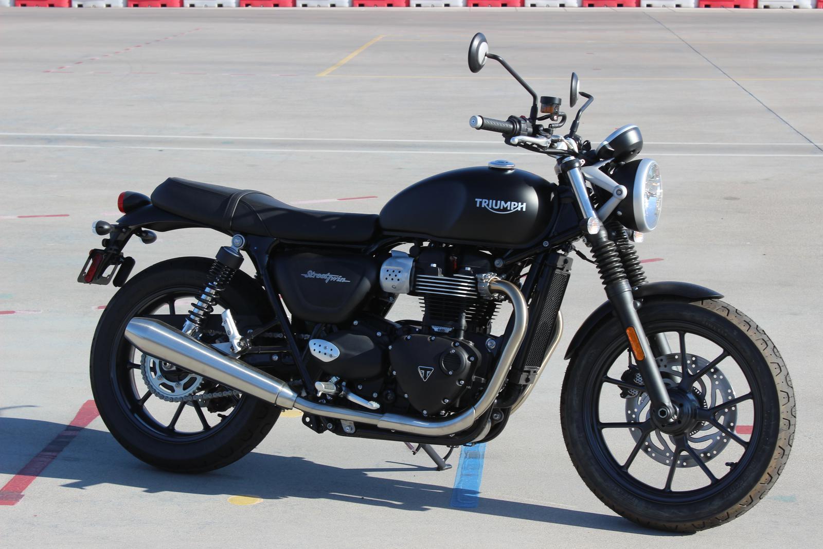 2018 Triumph Street Twin Color Go Az Motorcycles In Scottsdale