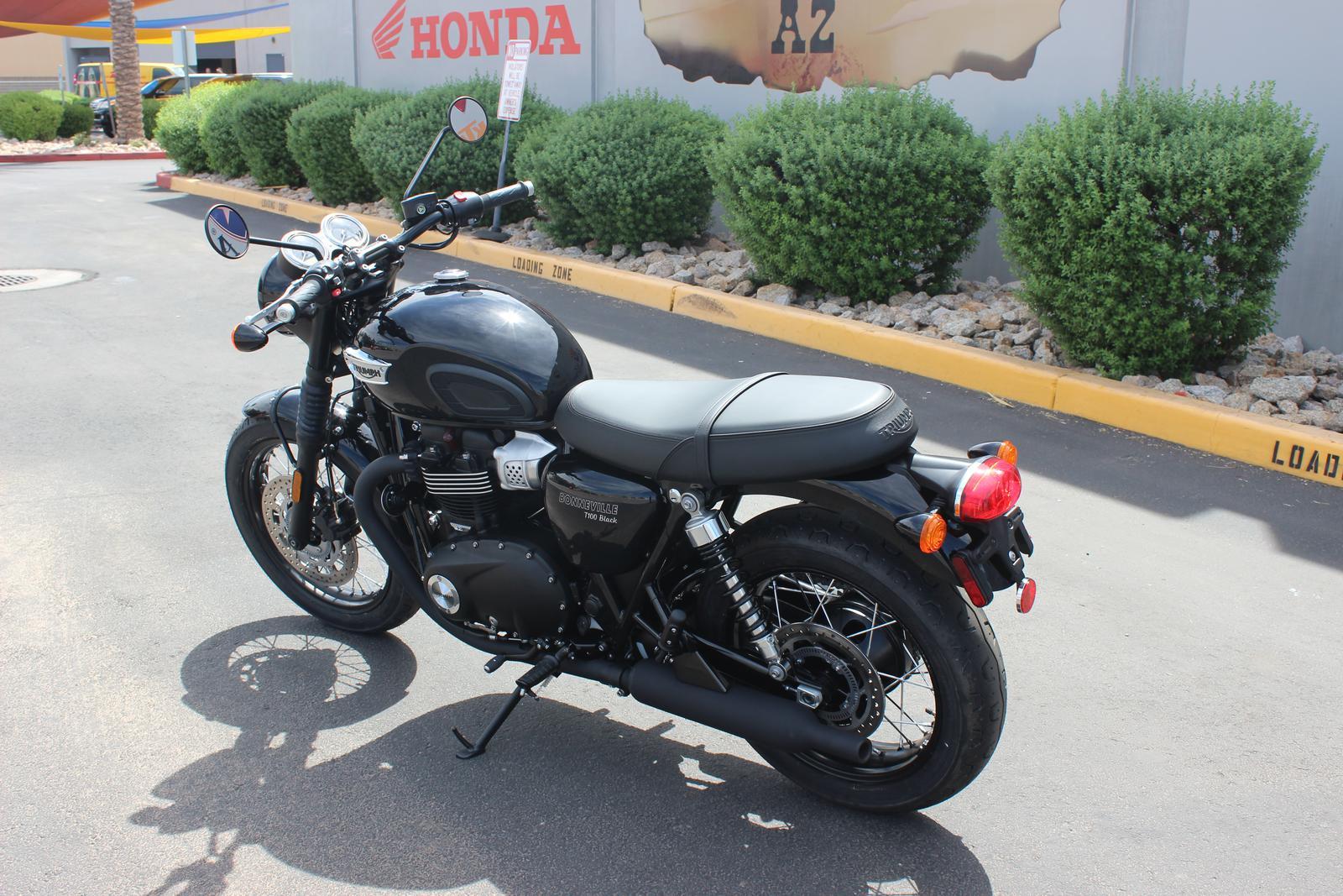 2018 Triumph BONNEVILLE T100 BLACK