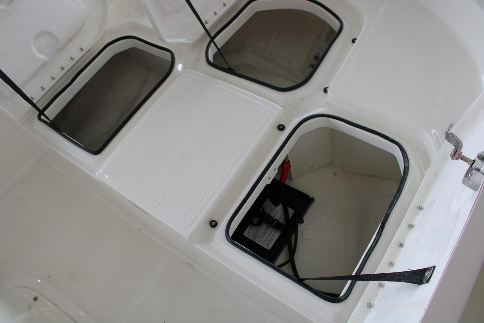 2019 Bayliner boat for sale, model of the boat is Element F18 & Image # 5 of 6