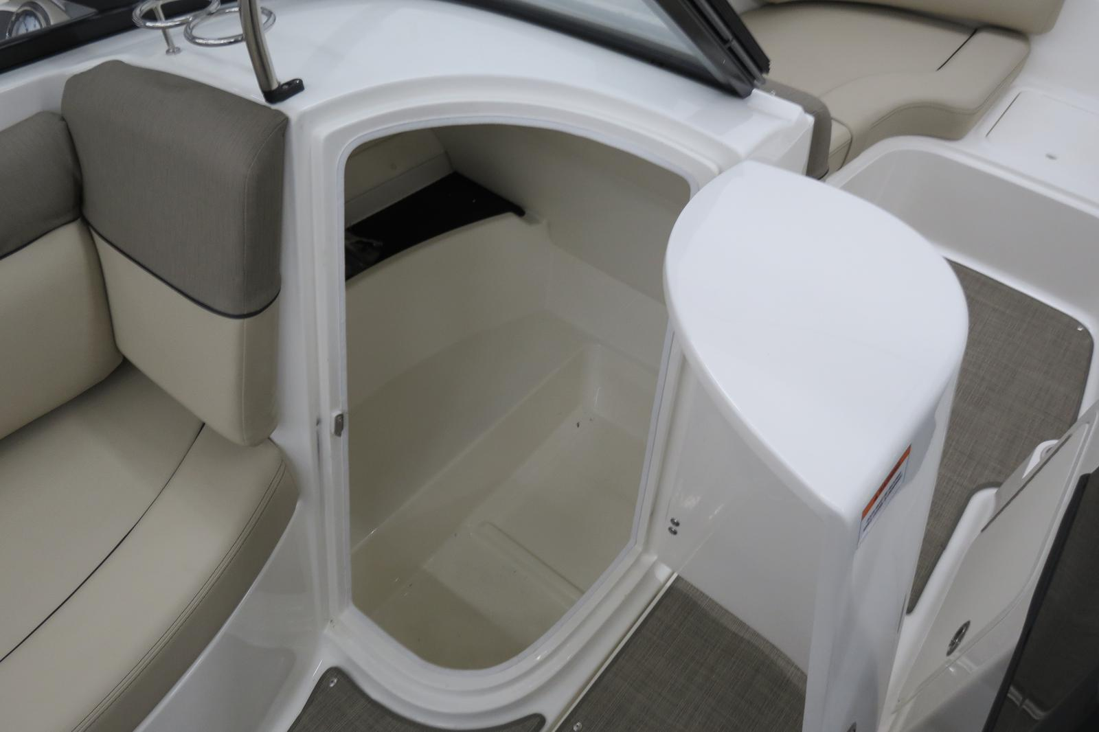 2019 Bayliner boat for sale, model of the boat is 215 Deck Boat & Image # 4 of 6