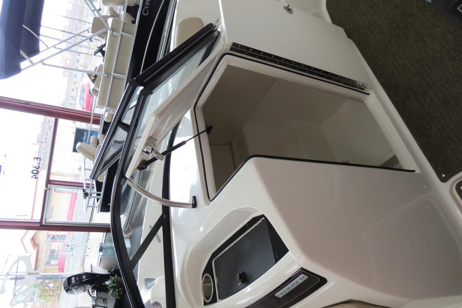 2019 Bayliner boat for sale, model of the boat is VR6 Bowrider & Image # 6 of 7