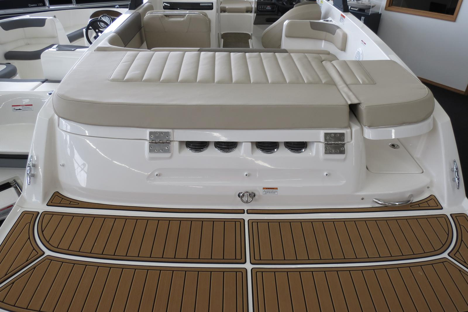 2019 Bayliner boat for sale, model of the boat is VR6 Bowrider & Image # 7 of 7