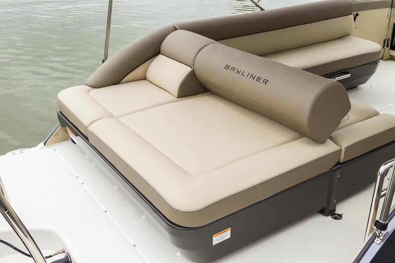 2019 Bayliner boat for sale, model of the boat is Element XR7 & Image # 2 of 4