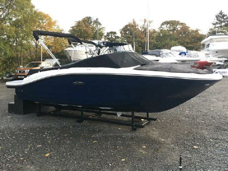 2019 Sea Ray boat for sale, model of the boat is 190 SPX & Image # 1 of 3