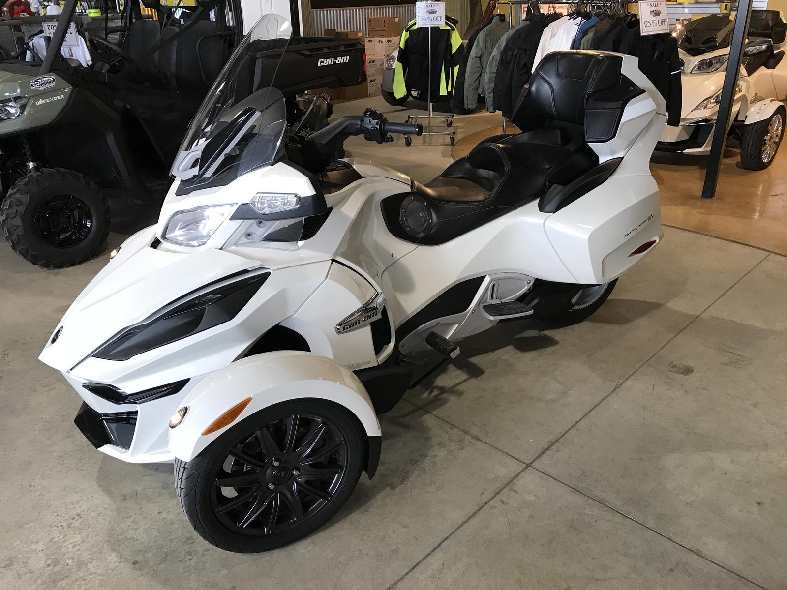 2014 Can-Am ATV SPYDER RT SE6 | 1 of 4
