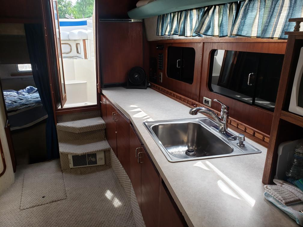 1986 Bayliner 3250 For Sale In Fremont  Wi  Anchor Point