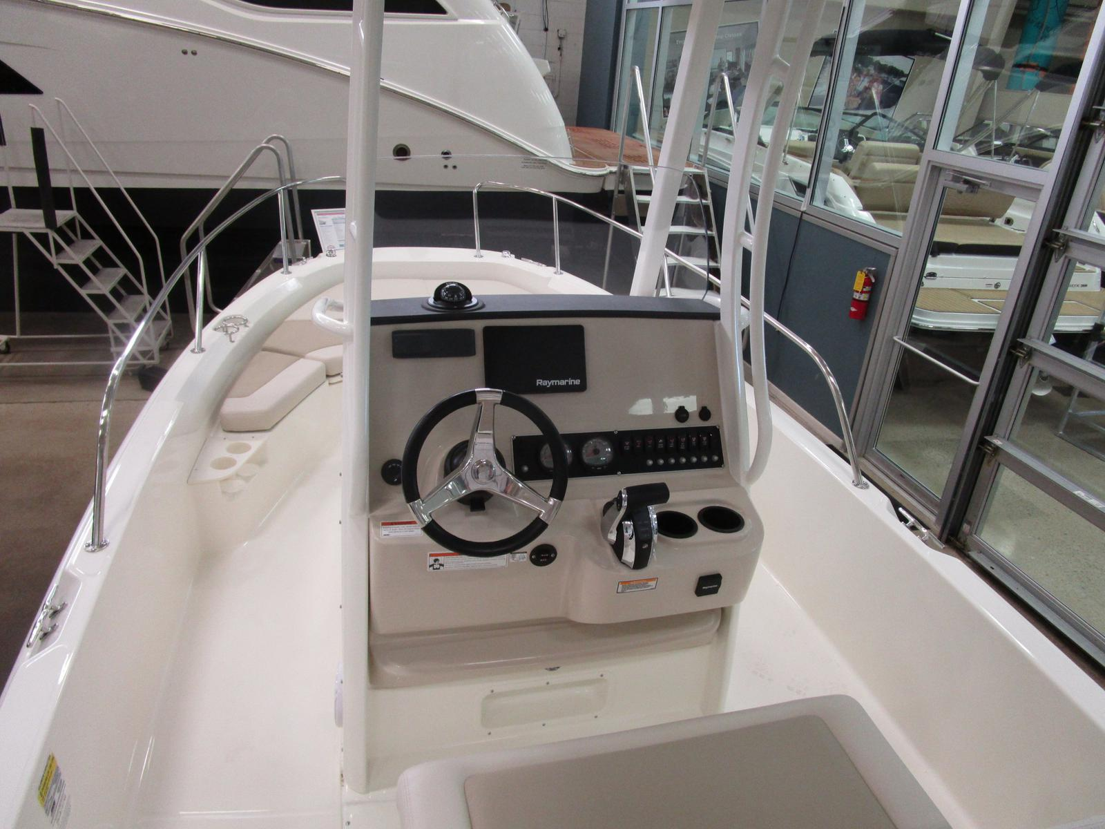 2019 Boston Whaler boat for sale, model of the boat is 210 Dauntless & Image # 3 of 7