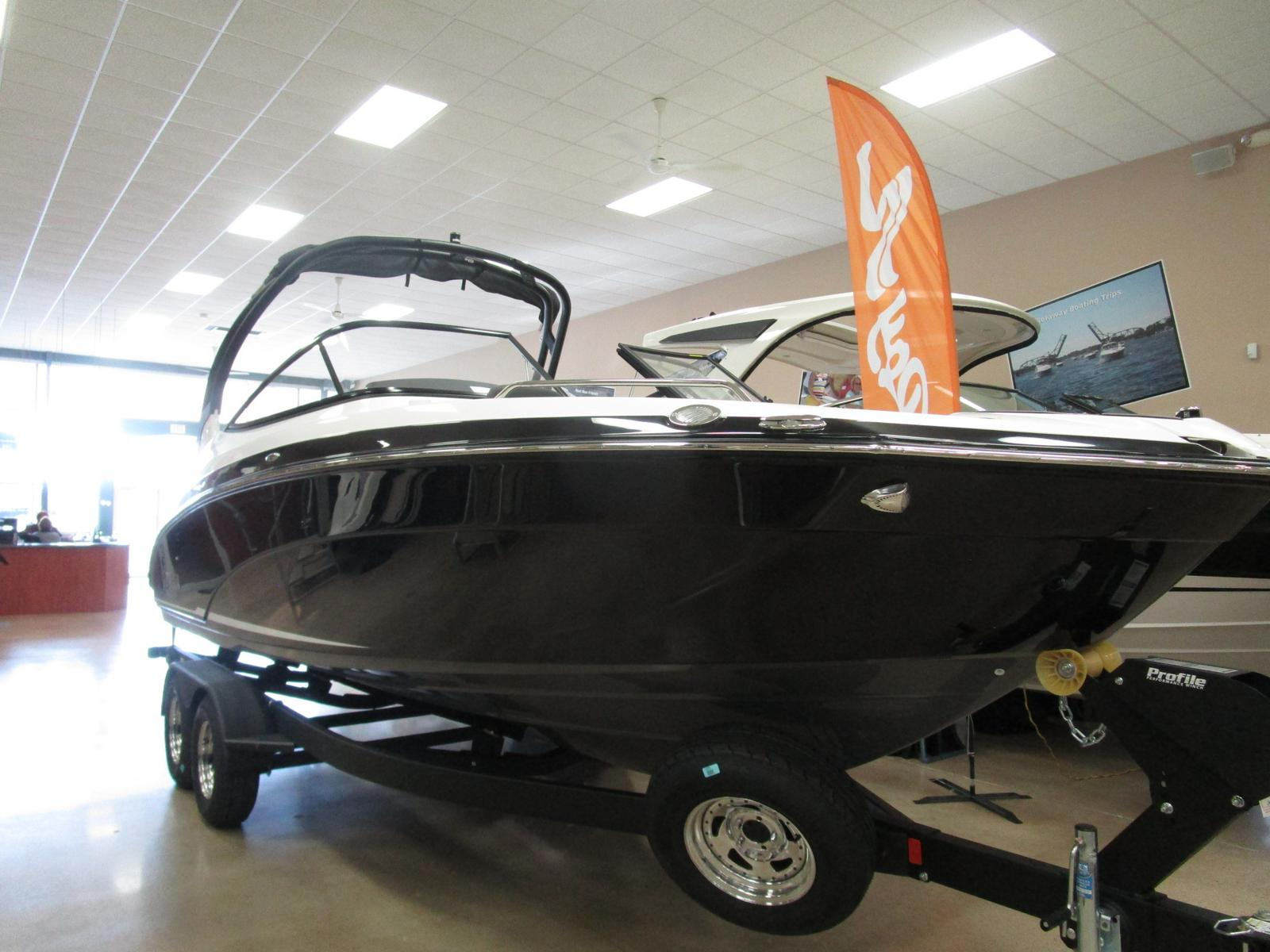 2019 Yamaha boat for sale, model of the boat is 242 Limited S & Image # 1 of 7