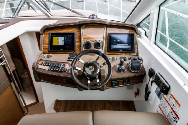 2016 Cruisers Yachts boat for sale, model of the boat is 45 Cantius & Image # 4 of 16